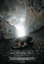 Podczas II wojny światowej drobny złodziejaszek ze Lwowa, Leopold Socha, pomaga grupce Żydów z getta ukrywać się w kanałach.
